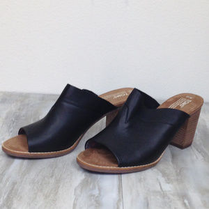 Toms Black Leather Majorca Mules 10w NWOT